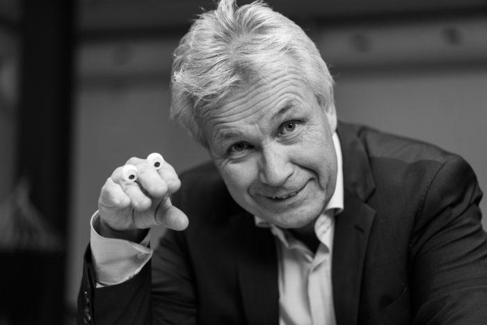 Jan-Robert Henriksen med snakkende hånd